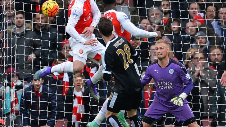 Arsenal 2, Leicester City 1: Arsenal Cuts the Gap With a Comeback Against Leicester