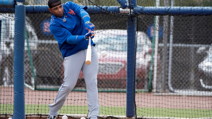 Cespedes Provides a Spark During a Quiet Day at Mets Camp