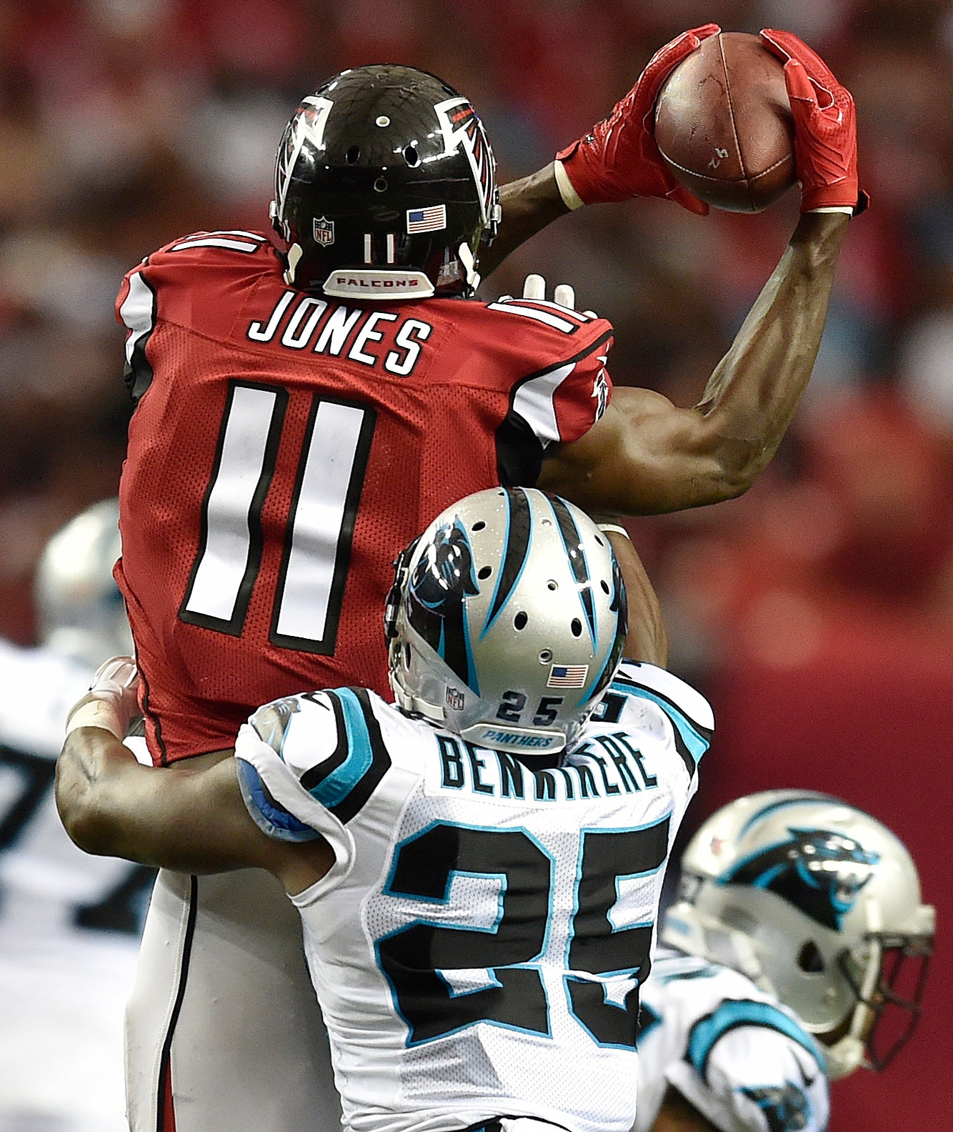 nfl-briefing-julio-superJumbo.jpg