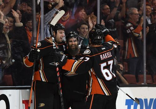 636258289620299559-USP-NHL-EDMONTON-OILERS-AT-ANAHEIM-DUCKS-89736124.JPG
