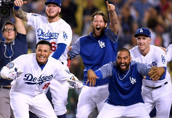 M.L.B. Playoff Races: Dodgers Stretch Lead in N.L. West